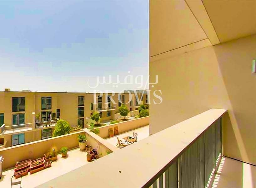 32 A classy apartment with modern facilities! Call us