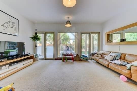 5 BR Villa | Immaculate condition | Perfect Location