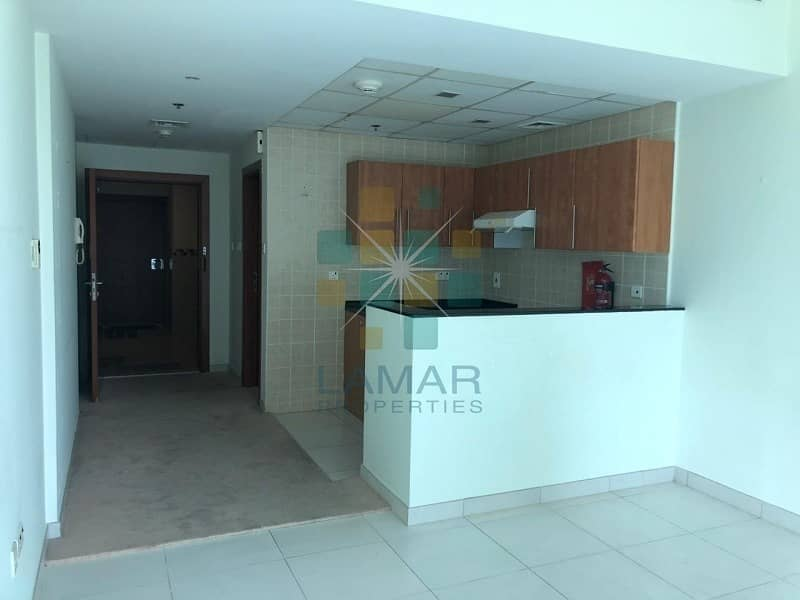 2 Multiple cheques - Studio for rent Marina View A