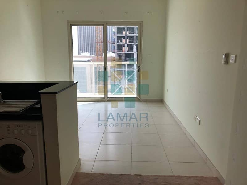 Multiple cheques - Studio for rent Marina View A
