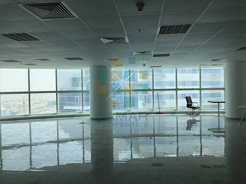 2 Fitted full open office high floor 2 parking
