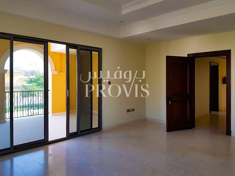 2 High quality villa located in luxurious community.