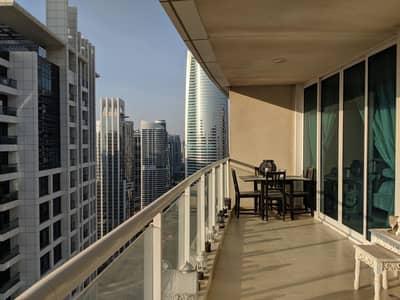 فلیٹ 1 غرفة نوم للايجار في أبراج بحيرات جميرا، دبي - UNFURNISHED HUGE 1 B/R ON HIGH FLOOR