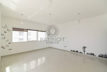 فلیٹ 2 غرفة نوم للبيع في دبي مارينا، دبي - Sea View 2 Bedrooms Apt For Sale Dubai Marina 820K