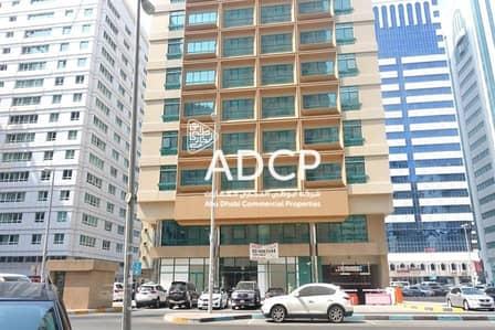 مکتب  للايجار في منطقة النادي السياحي، أبوظبي - 4 Payments:  New Semi Fitted Office Space