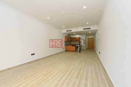 Best Price! Spacious and Upgraded Vacant Studio