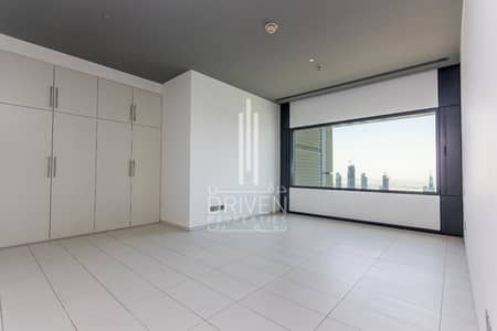 Above 60th Floor 3 Bed + Maid Burj View.