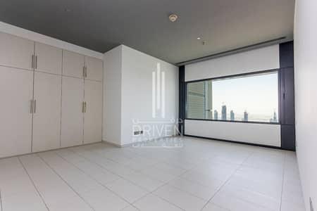 شقة 3 غرفة نوم للبيع في مركز دبي المالي العالمي، دبي - Above 60th Floor 3 Bed + Maid Burj View.