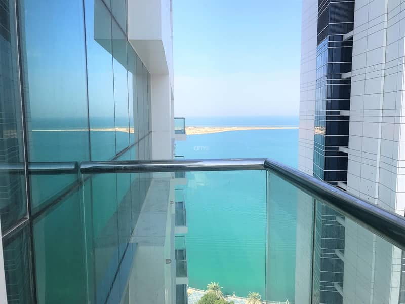 Stunning New Apt with Sea Views and Balcony