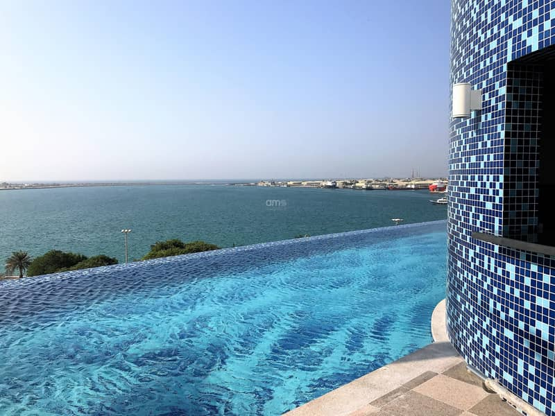 10 Stunning New Apt with Sea Views and Balcony