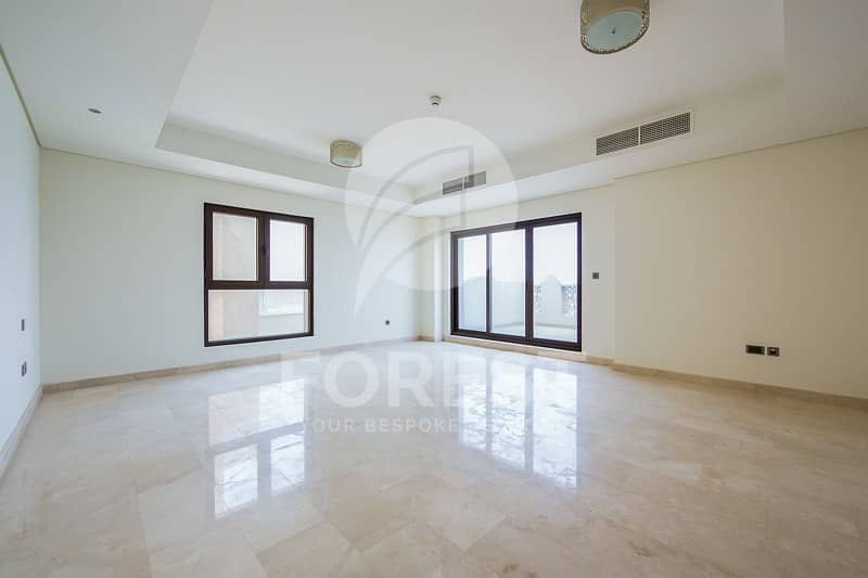 10 Exclusive 4 Beds Penthouse with Full Sea View