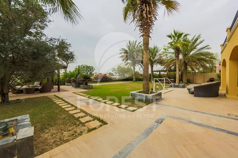 10 Big Plot | 6 Bedrooms with Full Golf Course View
