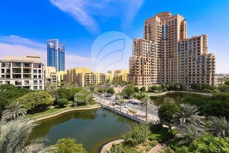 2 Bedroom Apartment for Sale in The Views, Dubai - Amazing 2 Beds with Lake View | Well-Maintained