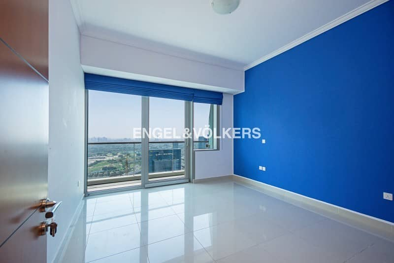 2 Golf View|Vacant|High floor|Well Maintained