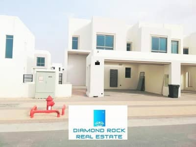 4 Bedroom Townhouse for Sale in Town Square, Dubai - Island Type Kitchen | Must View | Special 4BR