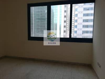 شقة 1 غرفة نوم للايجار في شارع إلكترا، أبوظبي - 1 B/R FLAT WITH CENTRAL A/C  NEAR ABU DHABI MALL