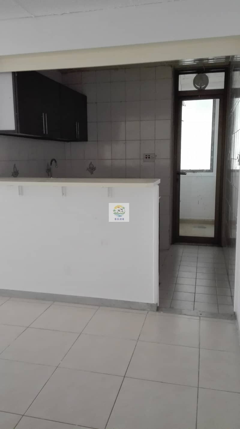 2 1 B/R CENTRAL A/C FLAT FOR RENT IN TOURIST CLUB AREA FOR 45K