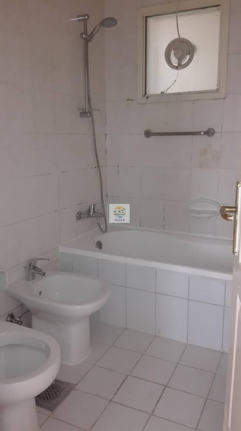 9 1 B/R CENTRAL A/C FLAT FOR RENT IN TOURIST CLUB AREA FOR 45K