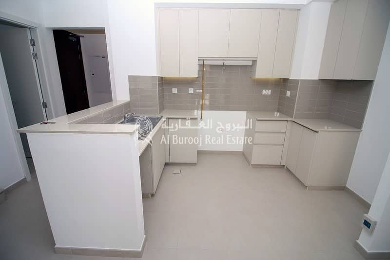 2 Brand New 3 Bedroom Near Pool and Park
