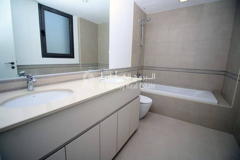 10 Brand New 3 Bedroom Near Pool and Park