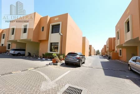 4 Bedroom Villa for Rent in Al Muntazah, Abu Dhabi - Beautiful 2 Story Villa in a Private Compound
