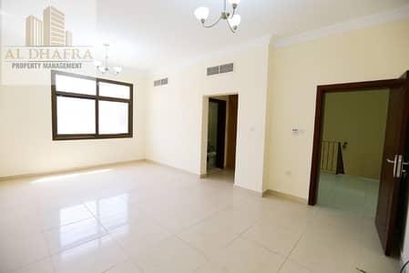 4 Bedroom Villa for Rent in Al Qurm, Abu Dhabi - Modern Villa! Offering 2 Master Bedrooms!!  4BR Villa