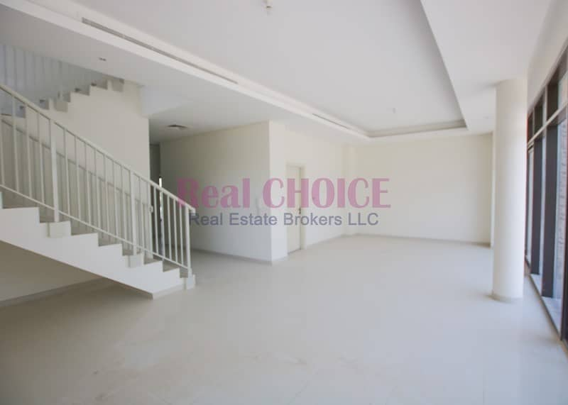 2 Corner 5BR Plus Maids Room Villa|Spacious Layout