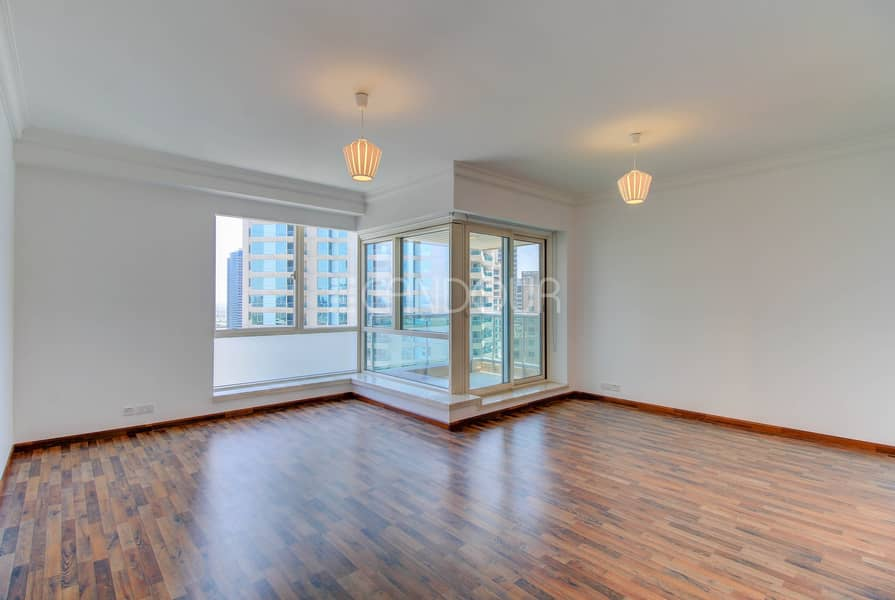 2 Refurbished Ultra Clean Vacant Apt | Chiller Free