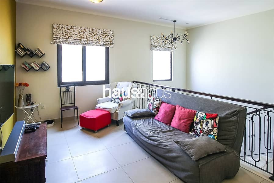 10 Large 5 bed close to pool | Vacant on transfer