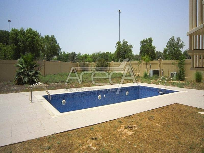 2 Spacious 5 Bed Villa with Private Pool! Luxurious Living
