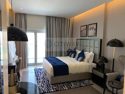 Hotel Apartment for Rent in Business Bay, Dubai - Brand New Studio with Balcony and Canal View!