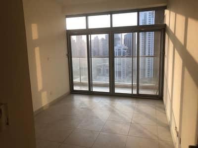 فلیٹ 3 غرفة نوم للبيع في أبراج بحيرات جميرا، دبي - شقة في جلوبال ليك فيو أبراج بحيرات جميرا 3 غرف 1200000 درهم - 4199649