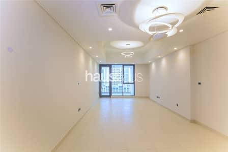 Brand New | 3 En-Suite Bedrooms | Closed Kitchen