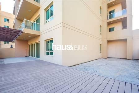 شقة 2 غرفة نوم للبيع في الروضة، دبي - Empty Now | Huge Courtyard | 2 Bed + Study