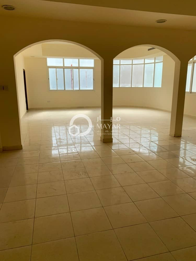 Very Spacious 7 Bedroom Villa - Direct From Owner