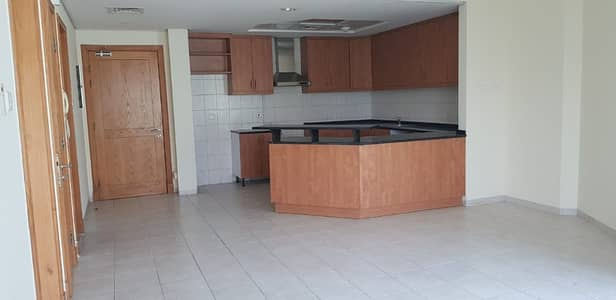 AC, Maintenance, 14 Months Stay 1 BHK in Discovery Gardens Available Now!!