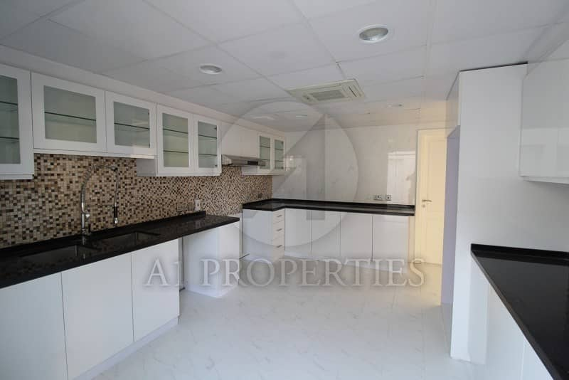2 Newly Upgraded Close to Beach 4 Bed Villa