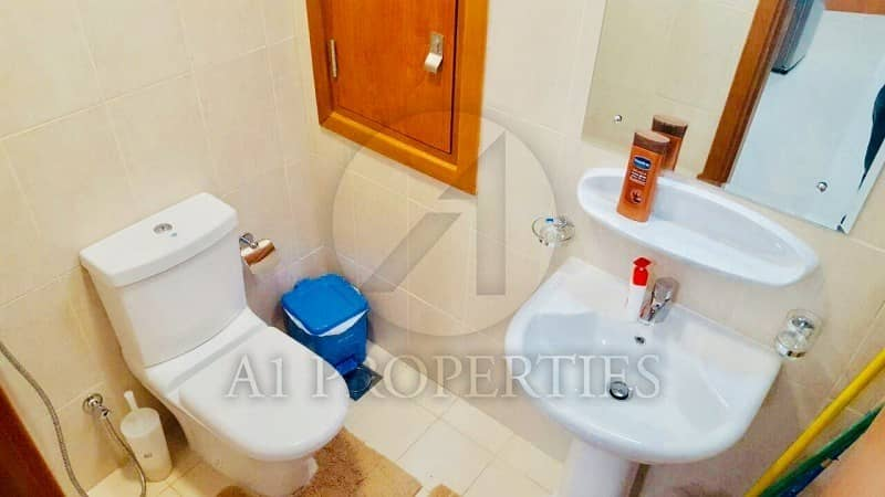 10 Immaculate Fully Furnished I 1 Bedroom