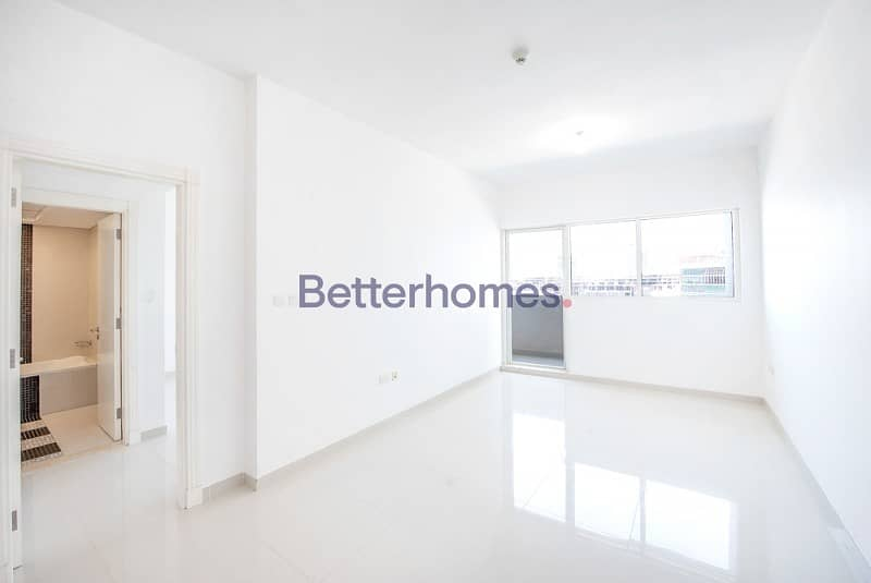 Ready to move in| Sea View with Balcony in Marina Bay
