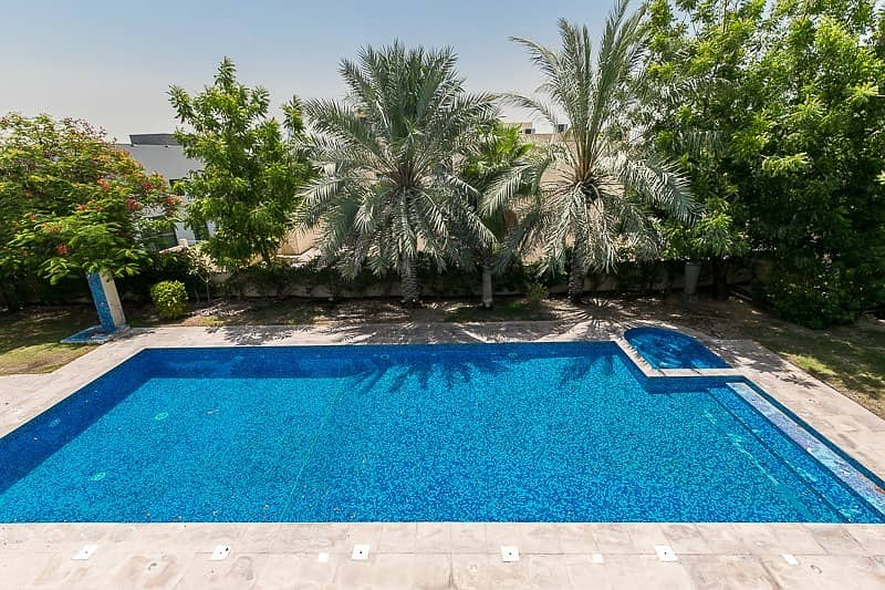 2 Contemporary 6 Bed Villa | Best Location