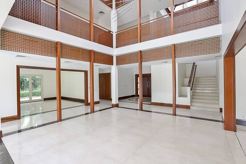 20 Contemporary 6 Bed Villa | Best Location