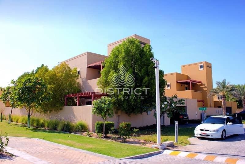 Stunning 4 BR Villa with Pool in Al Raha
