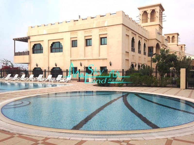 BEACH SIDE 5 BED WITH SHARED POOL GYM JUMEIRAH 3