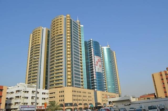 FOR RENT:2BHK WITH BARKING IN HORIZON TOWERS FULLY OPEN VIEW