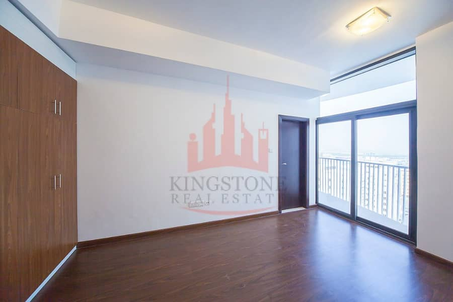 Best Location 1 BR Apartment with balcony and open kitchen