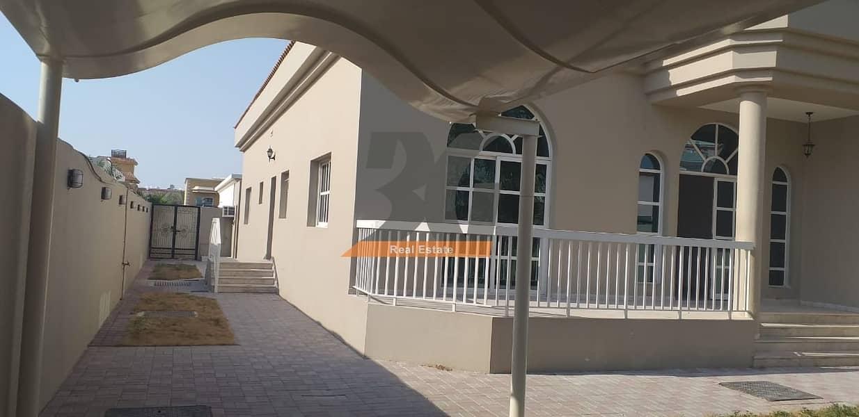 2 3 Bedroom + Maid Room Villa for Rent in Mirdif