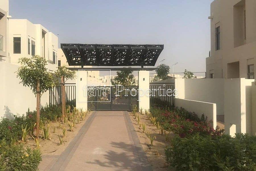 Stunning Villa in Mira Oasis