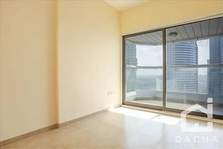 2 Bedroom Apartment for Rent in Jumeirah Lake Towers (JLT), Dubai - Brand New 2 Beds + Laundry for 65K