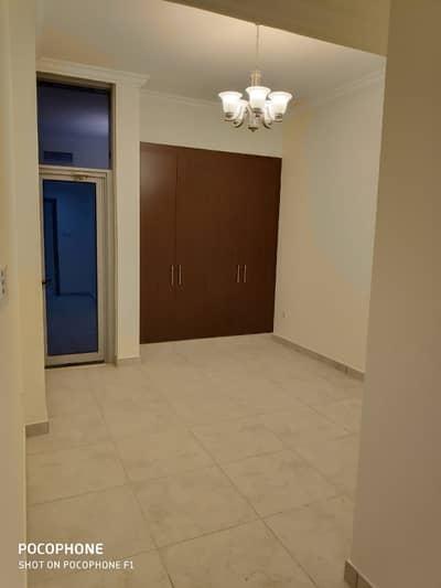 فلیٹ 2 غرفة نوم للايجار في المدينة العالمية، دبي - شقة في المرحلة 2 المدينة العالمية 2 غرف 50000 درهم - 4182445