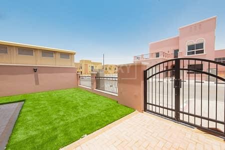 فیلا 5 غرفة نوم للايجار في ند الشبا، دبي - Brand New 5 Bed Villa | Big Size Rooms | plus Maids | Nad Al Sheba